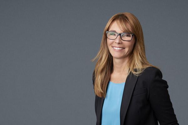 mature-businesswoman-smiling